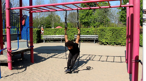 Skin-The-Cat-Bar-Brothers-For-Calisthenics-Beginners