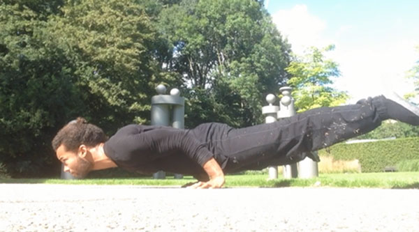 Straddle-Bent-Arm-Planche