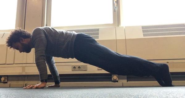 calisthenics-planche-progression-shoulder-push-ups